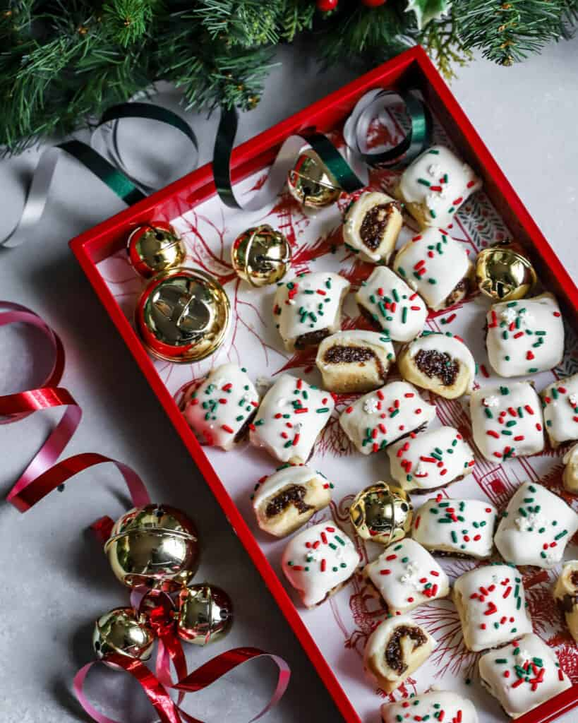 italian fig cookies in a christmas tray