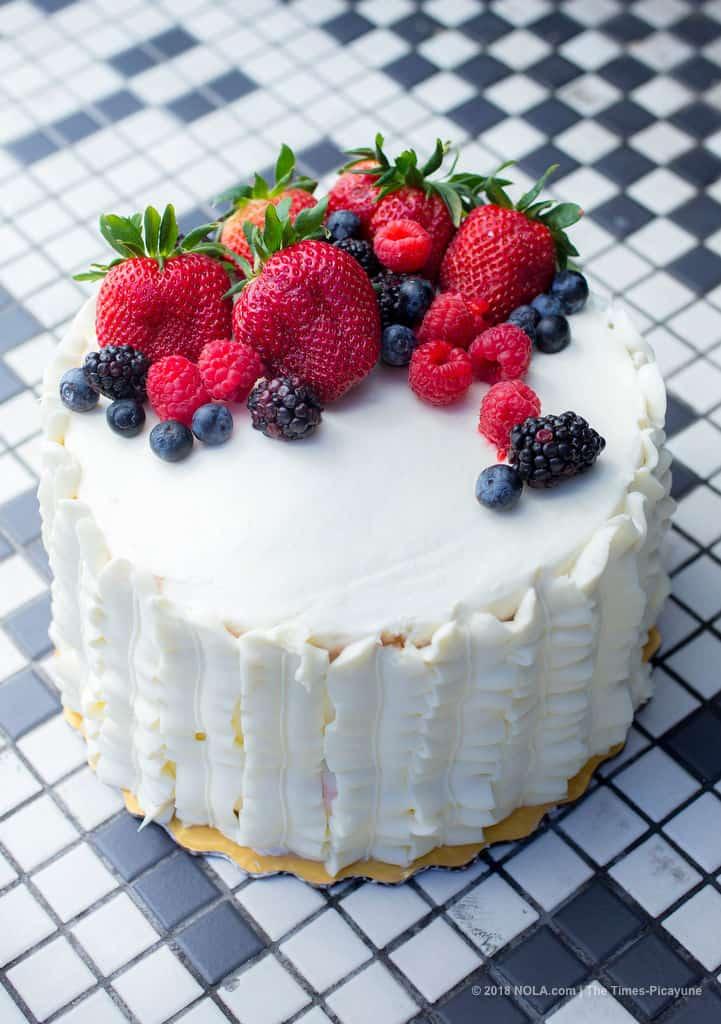 berry chantilly cake