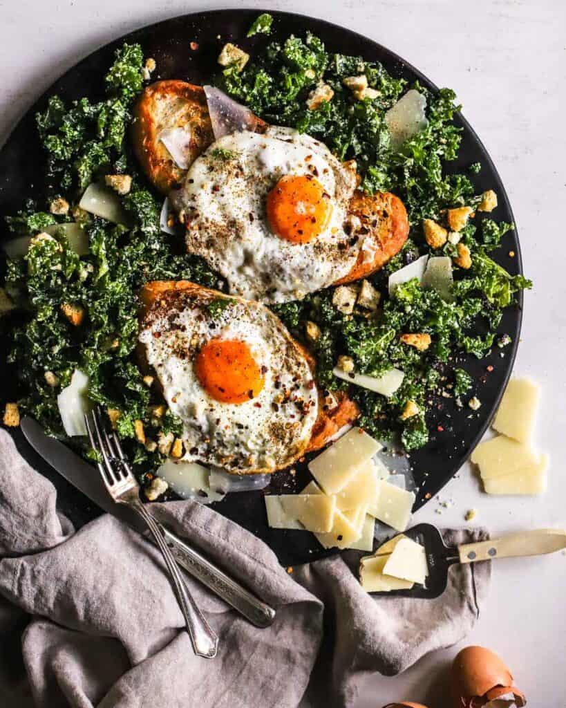 Fried-Egg-Toast-with-Kale-Caesar-Salad