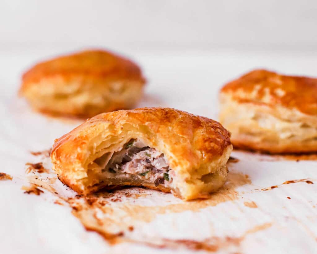 Pate Chaud Recipe (Banh Pate So) – Vietnamese Meat Pastries